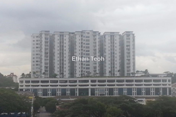 For Sale Condominium at Plaza Menjalara, Bandar Menjalara Leasehold Unfurnished 2R/2B 485k