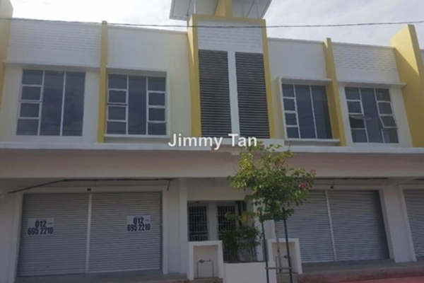 For Sale Shop at Puncak Bestari, Puncak Alam Leasehold Unfurnished 0R/0B 850k