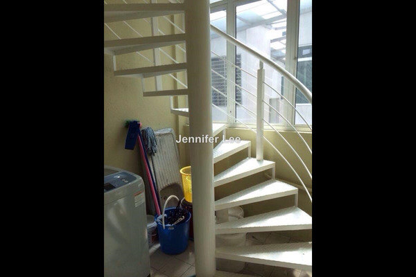 For Rent Townhouse at Beverly Residence, Bandar Utama Leasehold Semi Furnished 3R/2B 2.3k