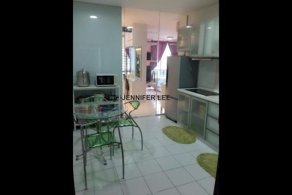 For Rent Serviced Residence at Casa Tiara, Subang Jaya Freehold Semi Furnished 3R/2B 2k