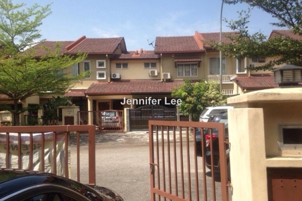 For Rent Link at Taman Pinggiran USJ, Subang Jaya Freehold Semi Furnished 4R/3B 1.2k