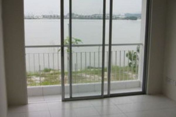For Rent Terrace at Lakeside Residences, Puchong Leasehold Semi Furnished 4R/2B 1.25k