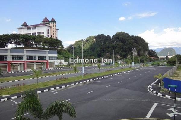 For Rent Shop at Taman Cahaya Tasek, Ipoh Leasehold Unfurnished 0R/0B 1.2k