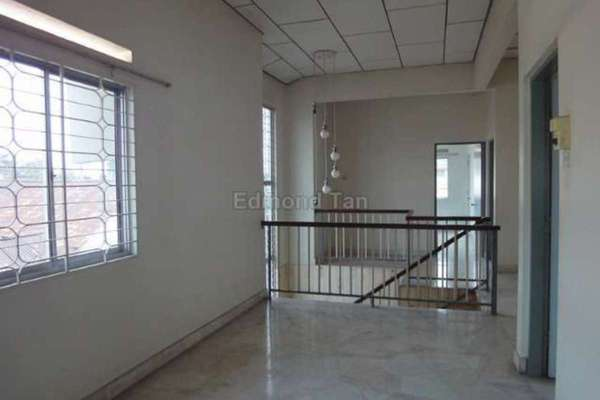 For Rent Bungalow at Taman Hoover, Ipoh Leasehold Semi Furnished 4R/2B 1.8k
