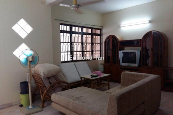 For Sale Terrace at Taman Taufik, Ipoh Leasehold Semi Furnished 4R/3B 278k