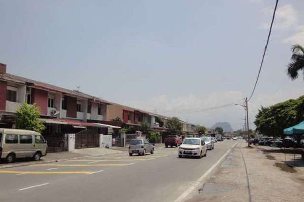For Sale Terrace at Taman Ipoh Timur, Ipoh Leasehold Semi Furnished 4R/2B 298k