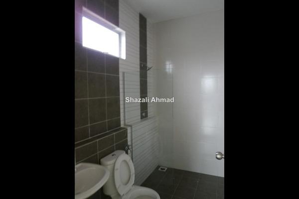 For Sale Bungalow at Taman Klebang Bayu, Ipoh Freehold Semi Furnished 5R/4B 780k