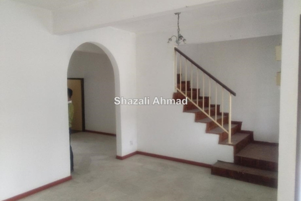 For Sale Terrace at Taman Rapat Bahagia, Ipoh Leasehold Semi Furnished 3R/3B 235k