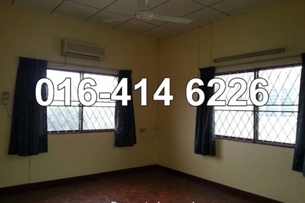 For Sale Bungalow at Taman Sinfar, Ipoh Leasehold Semi Furnished 5R/3B 950k