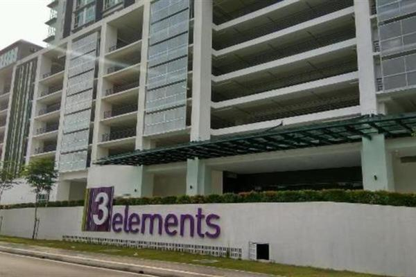 For Rent SoHo/Studio at 3 Elements, Bandar Putra Permai Leasehold Semi Furnished 1R/1B 1.2k