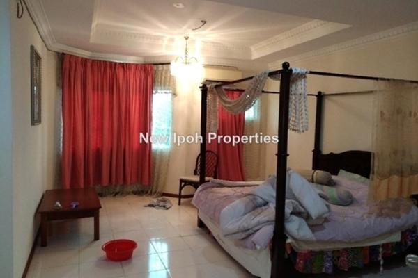 For Rent Terrace at Taman Bandar Baru, Kampar Leasehold Semi Furnished 4R/3B 2.1k