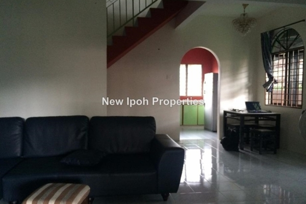 For Sale Terrace at Taman Bercham Jaya, Ipoh Leasehold Semi Furnished 3R/4B 430k