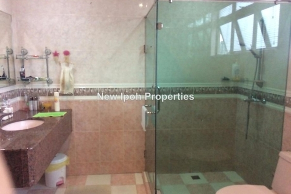 For Sale Bungalow at Taman Chateau, Ipoh Leasehold Semi Furnished 4R/4B 1.38m