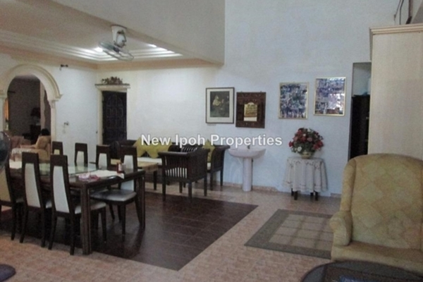 For Sale Bungalow at Taman Utama, Ipoh Leasehold Semi Furnished 5R/4B 1.25m