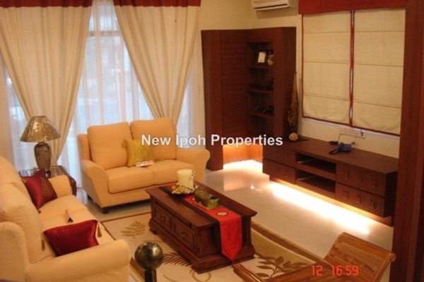 For Sale Bungalow at Taman Hoover, Ipoh Freehold Semi Furnished 5R/4B 850k