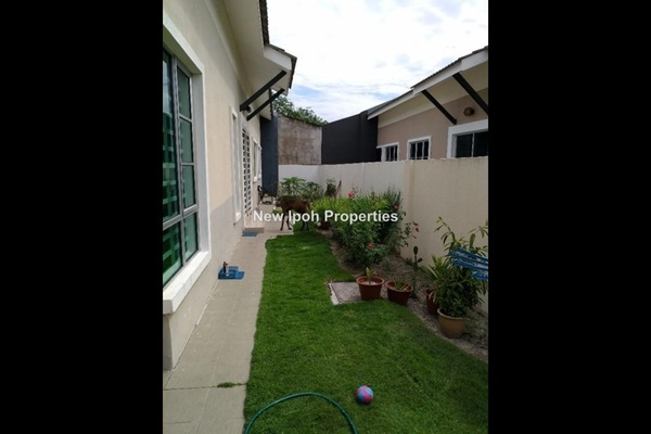 For Sale Semi-Detached at Klebang Impian, Ipoh Leasehold Unfurnished 3R/3B 385k