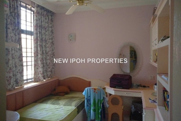 For Rent Semi-Detached at Taman Ipoh Perdana, Ipoh Leasehold Fully Furnished 5R/5B 2.5k
