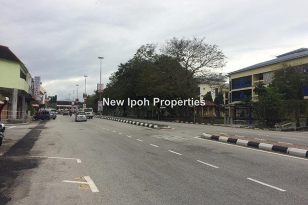 For Rent Shop at Kampung Kepayang, Simpang Pulai Leasehold Unfurnished 0R/0B 1.8k