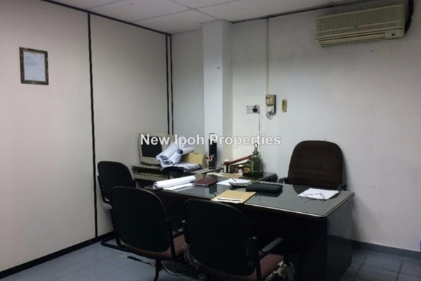 For Sale Shop at Taman Hoover, Ipoh Leasehold Unfurnished 0R/2B 1.08m