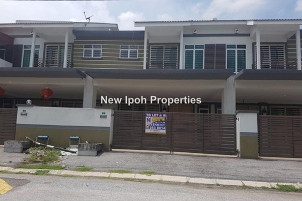 For Sale Terrace at Taman Tasek Jaya, Ipoh Leasehold Unfurnished 4R/4B 418k