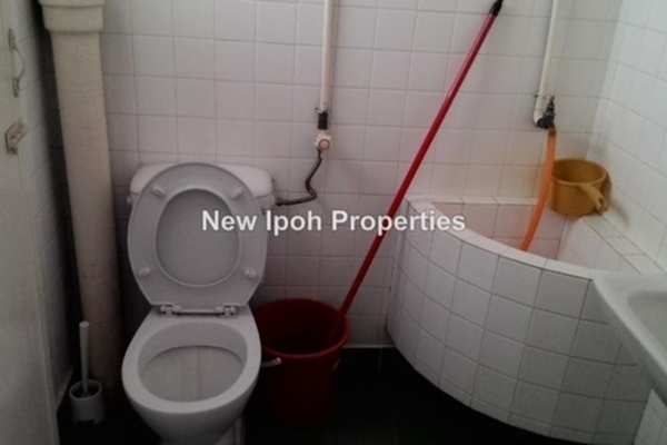 For Sale Terrace at Taman Ipoh Selatan, Ipoh Leasehold Unfurnished 3R/3B 460k