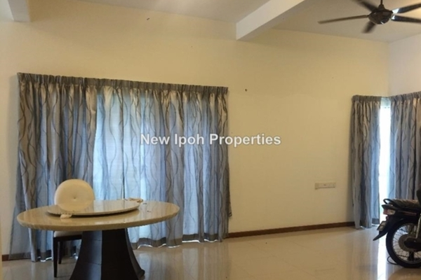 For Rent Townhouse at MontBleu Residence, Tambun Leasehold Semi Furnished 4R/4B 2.4k