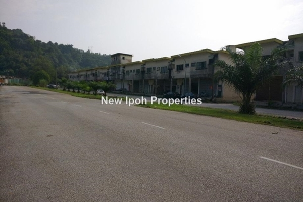 For Sale Factory at Taman Perindustrian Ringan Jelapang, Ipoh Leasehold Unfurnished 0R/2B 188k