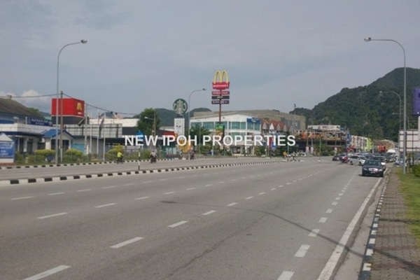 For Sale Shop at Taman Song Choon, Ipoh Leasehold Unfurnished 0R/0B 770k