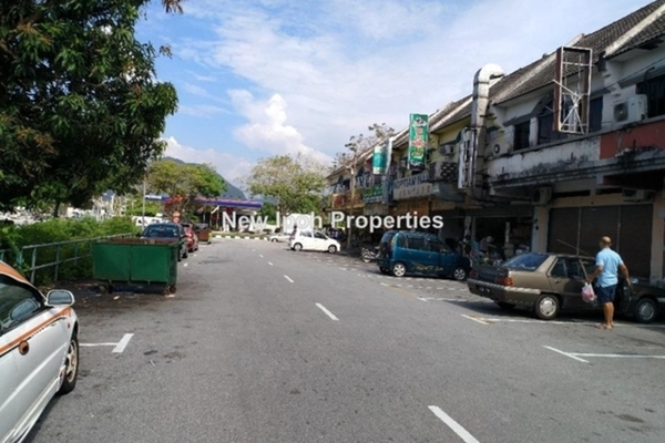 For Sale Shop at Taman Ipoh Jaya, Ipoh Leasehold Unfurnished 0R/4B 690k