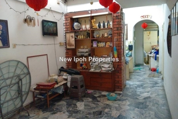 For Sale Terrace at Taman Kampar, Ipoh Leasehold Unfurnished 4R/1B 288k