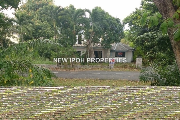 For Sale Bungalow at Taman Eden, Ipoh Leasehold Unfurnished 3R/3B 315k