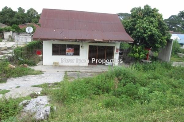 For Sale Bungalow at Kampung Baru Buntong, Ipoh Leasehold Unfurnished 4R/1B 88k