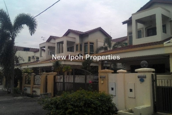 For Sale Semi-Detached at Taman Merdeka, Ipoh Leasehold Semi Furnished 6R/6B 846k
