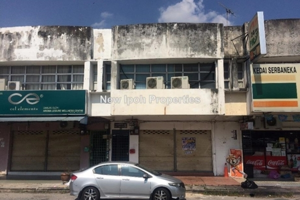 For Rent Shop at Medan Ipoh Bistari, Ipoh Leasehold Unfurnished 0R/0B 1.7k