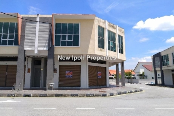 For Sale Shop at Taman Putra Indah, Ipoh Leasehold Unfurnished 0R/4B 905k