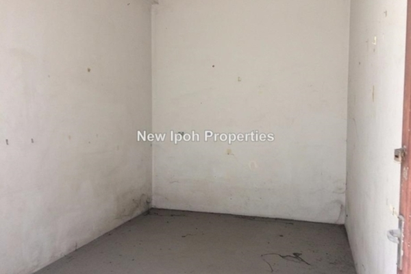For Sale Shop at Taman Sinfar, Ipoh Leasehold Unfurnished 0R/2B 155k