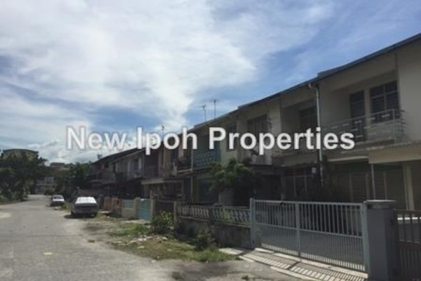 For Sale Terrace at Taman Taiping, Ipoh Leasehold Unfurnished 4R/4B 338k