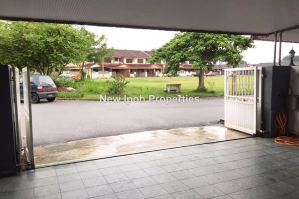 For Sale Terrace at Taman Wang, Menglembu Leasehold Unfurnished 3R/3B 328k
