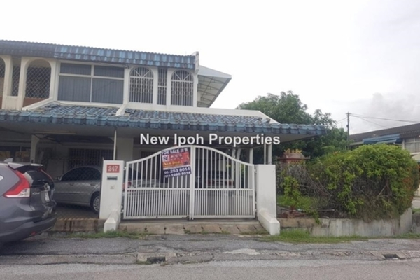 For Sale Terrace at Taman Pengkalan Barat, Ipoh Leasehold Unfurnished 3R/3B 448k
