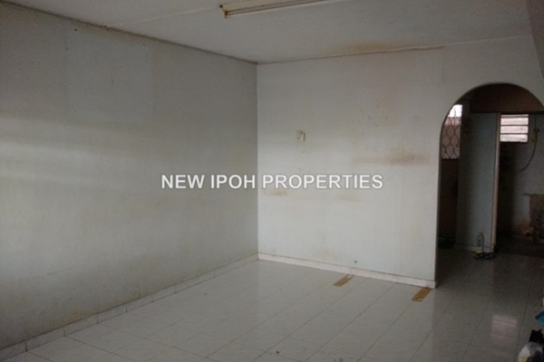 For Sale Terrace at Taman Desa Pakatan, Ipoh Leasehold Unfurnished 3R/1B 98k