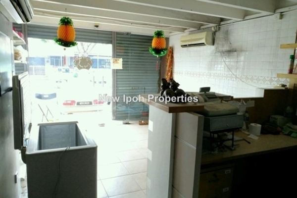 For Rent Shop at Pasir Pinji, Ipoh Leasehold Unfurnished 0R/2B 1.7k