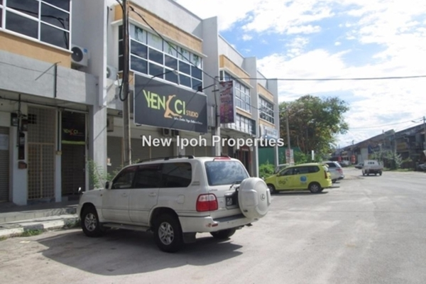 For Rent Shop at Pasir Pinji, Ipoh Leasehold Unfurnished 0R/2B 2k