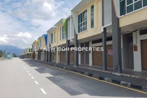For Rent Shop at Taman Putra Indah, Ipoh Leasehold Unfurnished 0R/8B 4.6k
