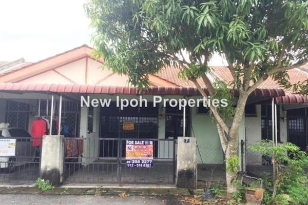 For Sale Terrace at Taman Bunga Raya, Batu Gajah Leasehold Unfurnished 3R/2B 145k