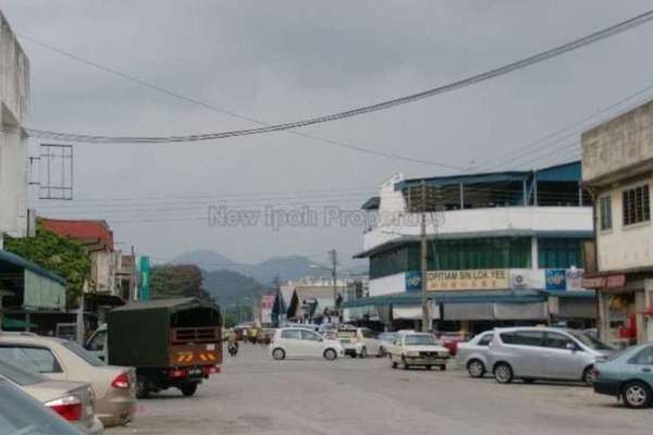 For Sale Bungalow at Kampung Simee, Ipoh Leasehold Unfurnished 5R/2B 428k