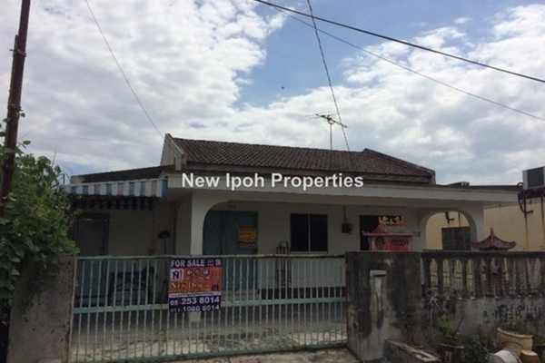 For Sale Bungalow at Taman Bercham Baru, Ipoh Leasehold Unfurnished 3R/2B 245k