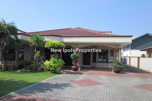 For Sale Bungalow at Taman Sri Dermawan, Ipoh Leasehold Unfurnished 4R/4B 1.25m