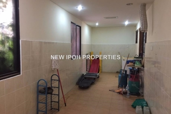 For Sale Semi-Detached at Taman Bahagia, Ipoh Leasehold Unfurnished 3R/1B 170k