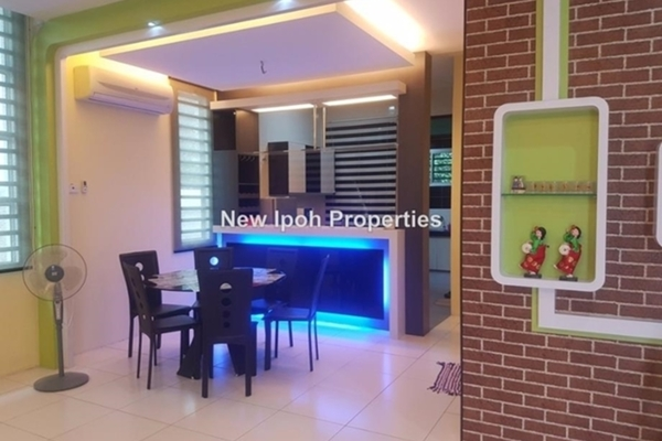 For Sale Semi-Detached at 1st Residence @ Taman Tawas Jaya, Ipoh Leasehold Unfurnished 4R/4B 610k