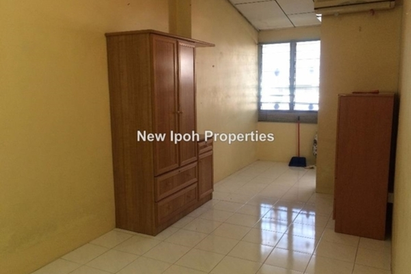 For Sale Terrace at Taman Lapangan Ria, Ipoh Leasehold Unfurnished 3R/3B 189k